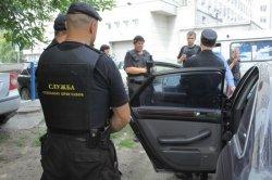 Можно ли ездить на арестованной приставами машине